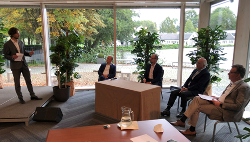 Host and four representatives of the Dutch national committee for Electrochemical Conversion and Materials (ECCM) and her German counterpart during a virtual workshop to discuss ideas for a bilateral agenda on hydrogen and green electrons.