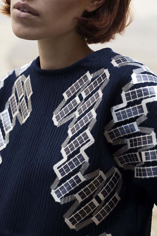 Solar Shirt Fashion With Flexible Solar Cells Tno