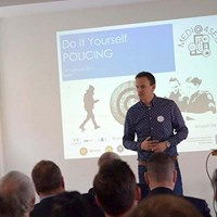 Worlds_ first_DIY_Policing_ workshop_13012017_1_400.jpg